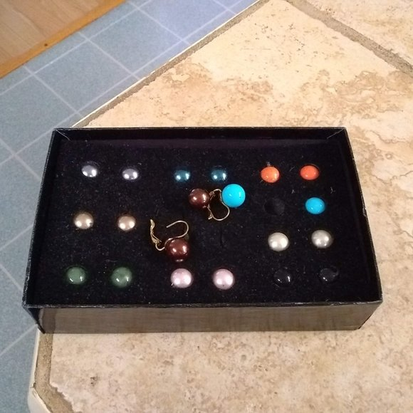 Joan Rivers Earrings Set with 10 sets of beads